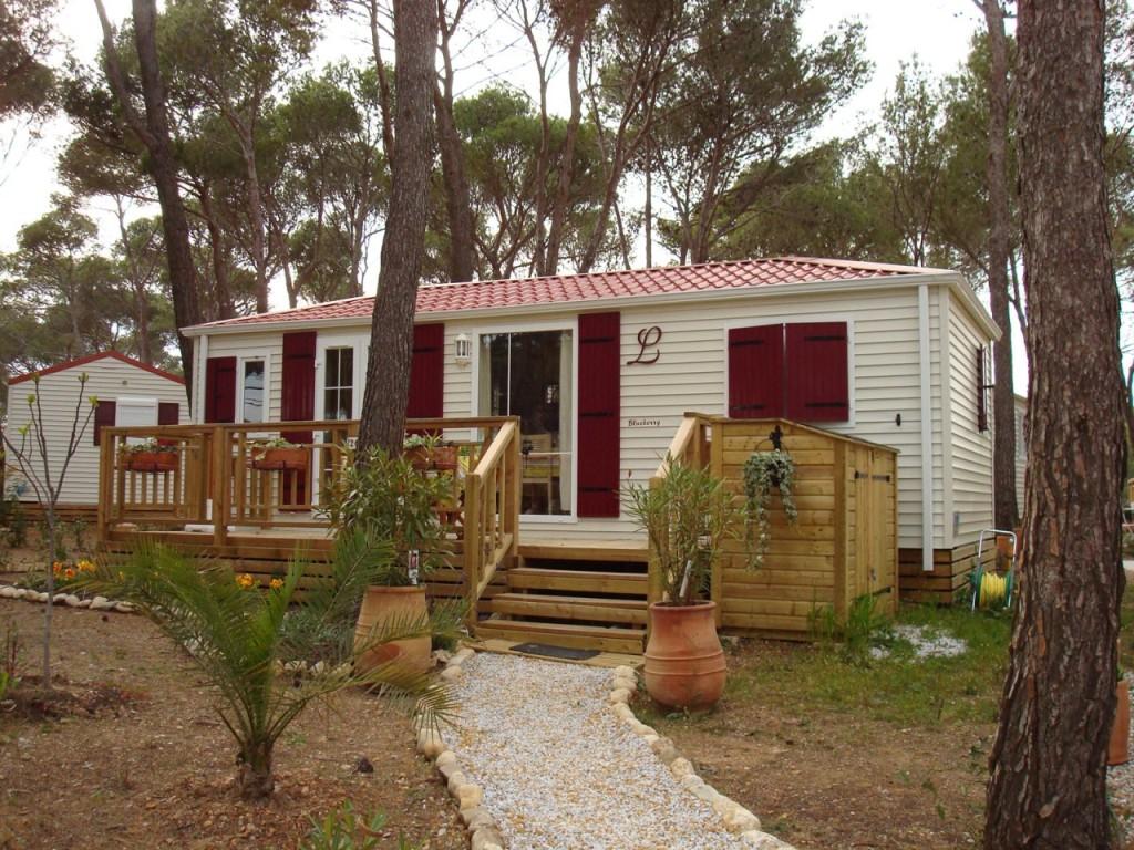 CAMPING MOBIL-HOMES La PINEDE ---- Entre PINET et CASTELNAU