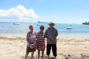 La plage de Pointe d'Azur ---- Annie PY Danielle MANSION Denis PY