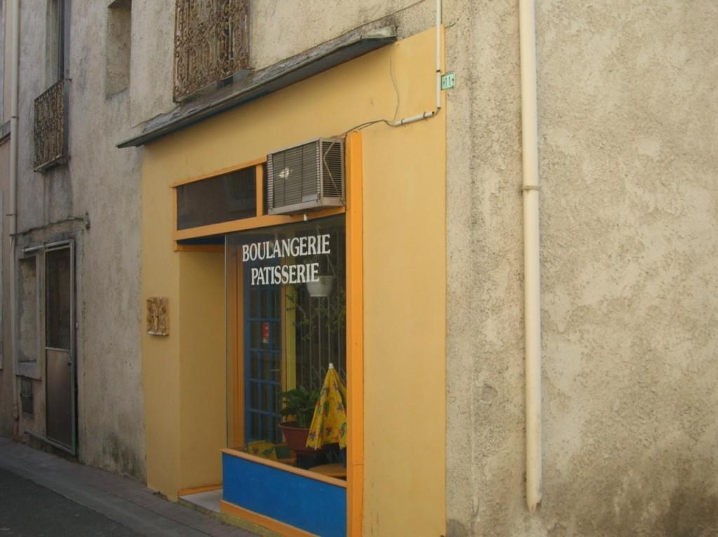 Rue du Commerce ---- Boulangerie PEYRUCHAU jusqu'en 2008