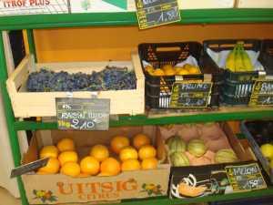 Raisin Prunes Bananes Oranges Melons