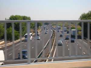 le pont sur l'autoroute