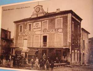 Place de la Mairie en 1900