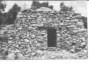 Une CAPITELLE  Edifice agricole traditionnel